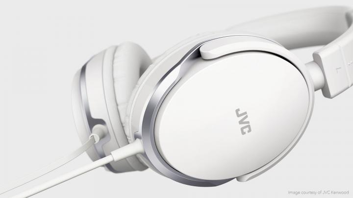 Headphone design and visualization with Modo
